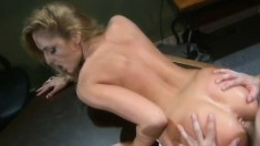Lauren Phoneix has a great time satisfying a hung business man