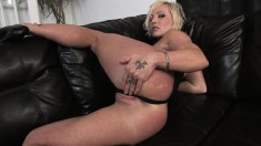 Long-legged Denise G is eager to show you her hot meat wallet