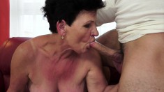 Old granny gets her crusty cunt licked, drilled and then sucks him off