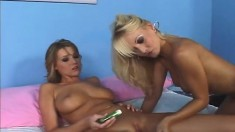 Stacked blonde beauties Jana and Carli pleasing each other's pussies