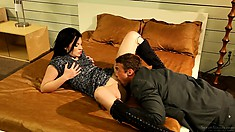 He starts groping and gets her on the bed to give her puss some tongue