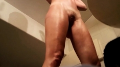 Unaware MILF filmed with spy cam - naked in HD