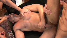 Hot Threesome With Muscle Gays